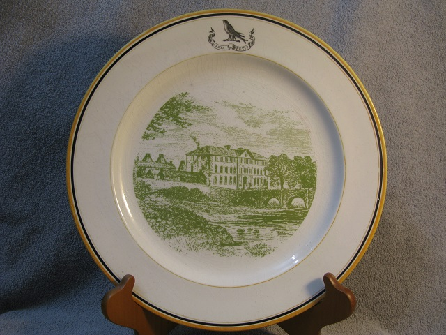 Pottery Scenic Armorial Plate !!