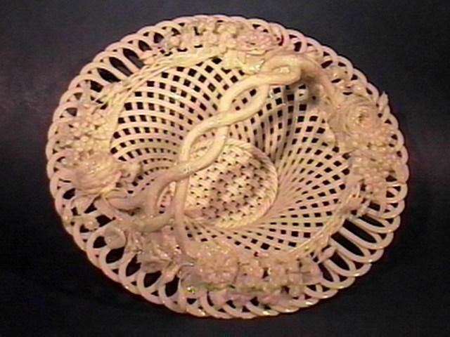 Round Handled Flat Rod Basket !!