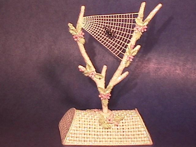 A SPLENDID Spider Web !!